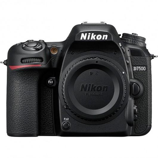 Nikon D7500 (Corpo)